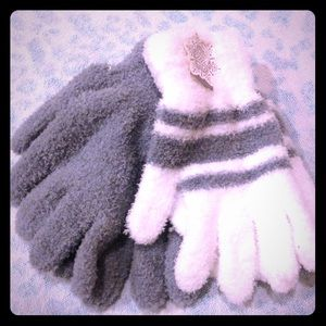 Other - Fluffy gray and white gloves